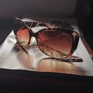 (GUESS) WOMEN'S SUNGLASSES GUF200